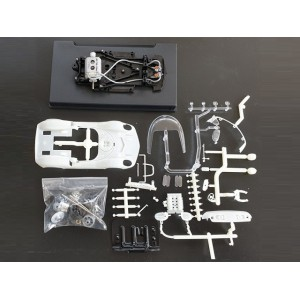 Thunder Slot McLaren ELVA Can AM kit blanco