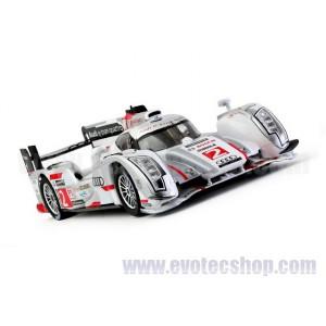 Audi R18 e-tron quattro Le Mans 2013 winner