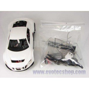 Audi R8 en Kit carroceria blanca